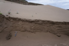 Drainage within an active sand dune field